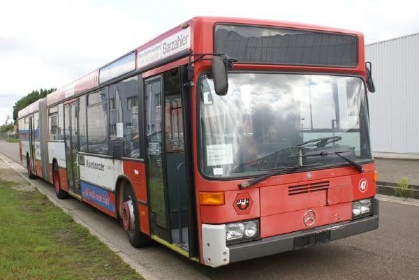 MERCEDES-BENZ O 405 GN autobús urbano