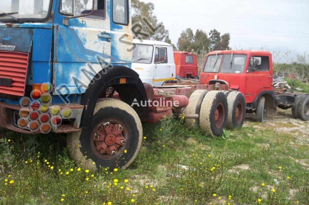 IVECO 330 26 camión chasis