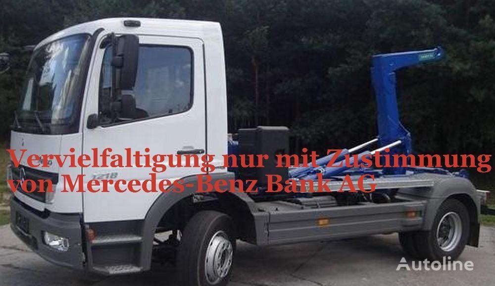 MERCEDES-BENZ Atego 1218  camión con gancho