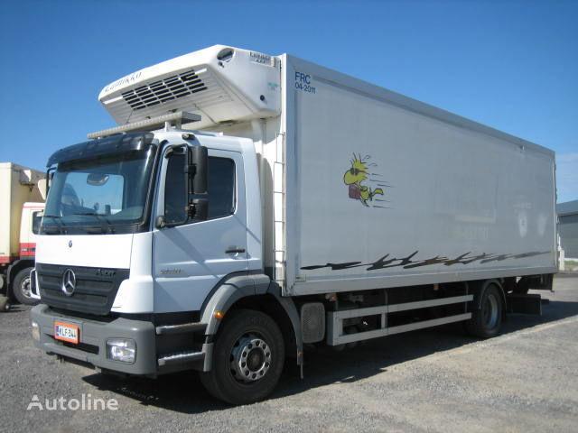 MERCEDES-BENZ 1828 Lnr 57 camión frigorífico