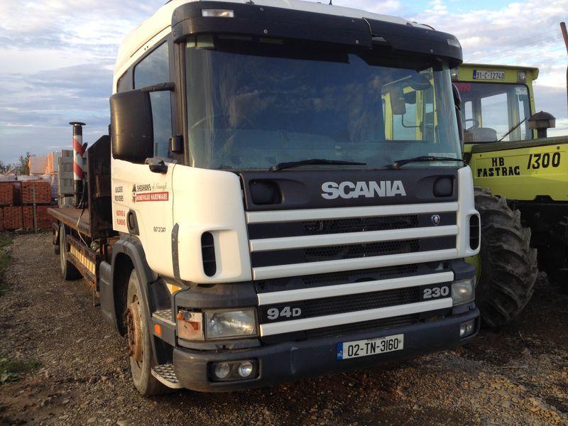 SCANIA 94D camión plataforma
