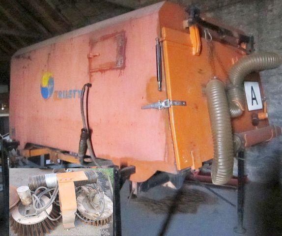 3.5 m3 zametač nástavba Trilety MKV (hydraulic cepillo