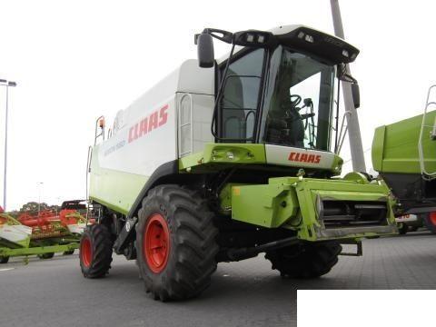 CLAAS 560 cosechadora