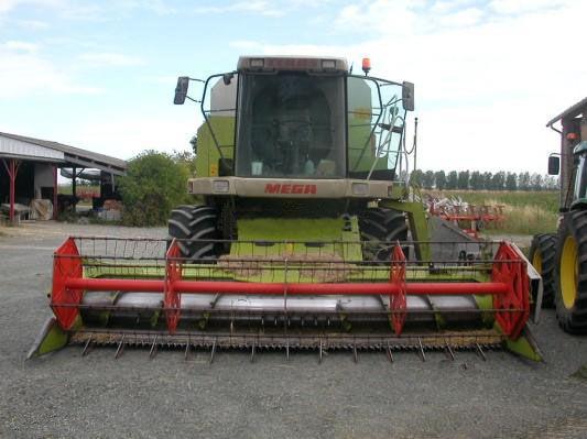 CLAAS MEGA 208 cosechadora