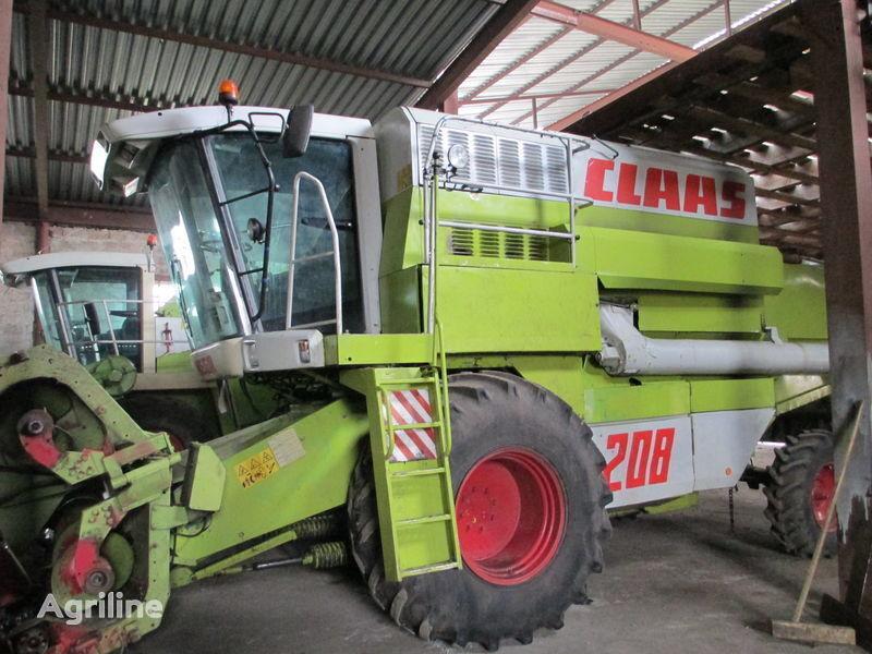 CLAAS Rozborka Mega 208 cosechadora