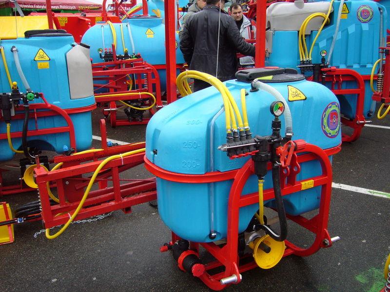 MAKS 300 pulverizador suspendido nuevo