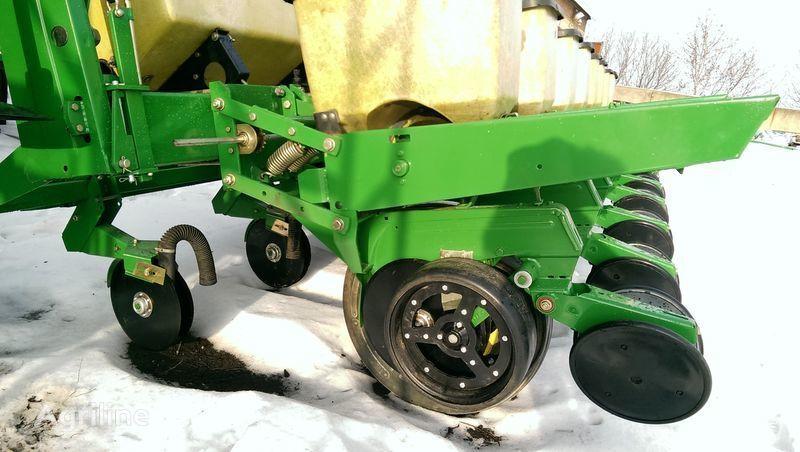 JOHN DEERE 7000 NOVAYa komplektaciya + sembradora de precisión mecánica