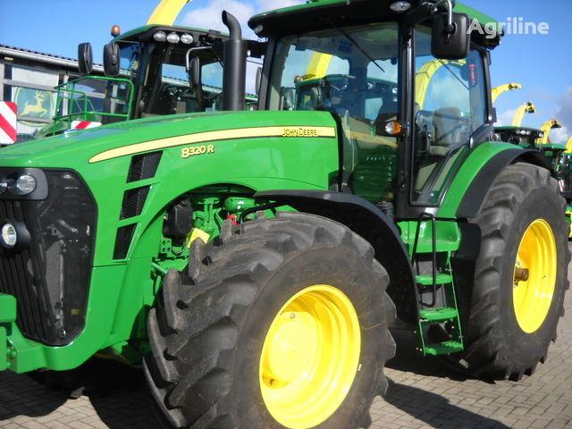 JOHN DEERE 8320 R (NOVYY) tractor de ruedas