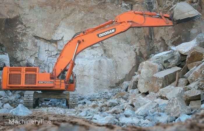 DOOSAN DX 700 excavadora de orugas
