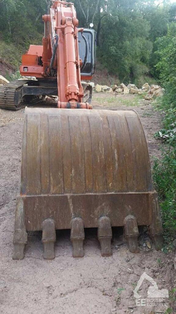 FIAT-HITACHI FH 240-3 excavadora de orugas