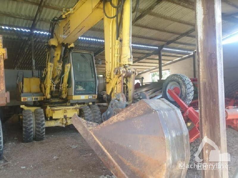 LIEBHERR A 902 LITRONIC excavadora de ruedas