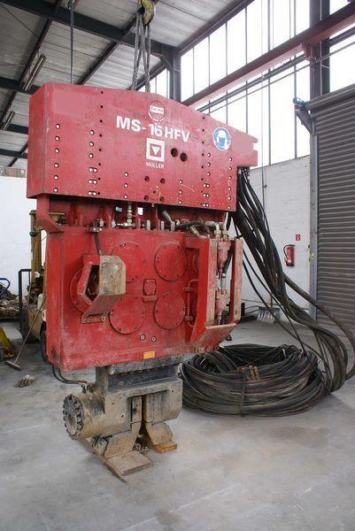 Vibropogruzhatel Muller M16HFV i Power pack MS-A260  otros maquinaria de construcción