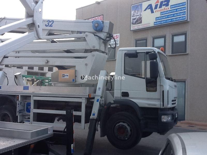 IVECO eurocargo CTE Zed 32  32mt plataforma sobre camión