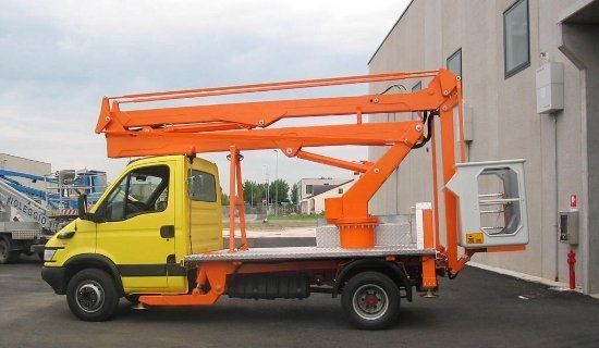 TECCHIO plataforma sobre camión nueva