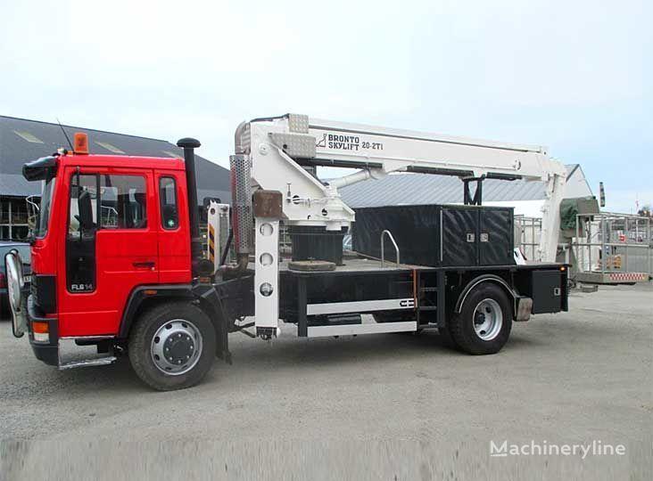 VOLVO FL-614 4X2WD plataforma sobre camión