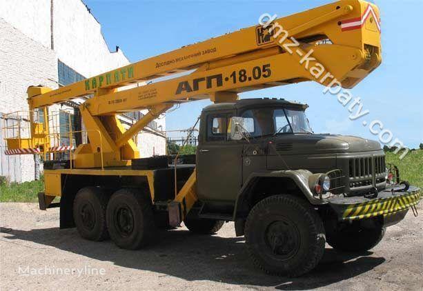 ZIL 131 plataforma sobre camión