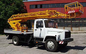 ZIL AP-18 plataforma sobre camión