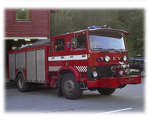 VOLVO F-720 camión de bomberos