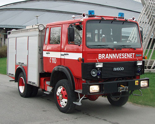 IVECO 80-16 4x4 WD coche de bomberos del tanque