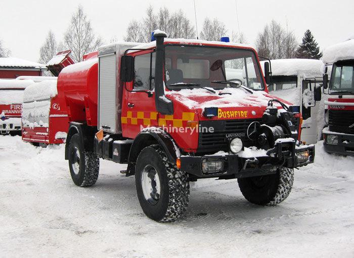 MERCEDES-BENZ Unimog U-1300 4x4 WD coche de bomberos del tanque
