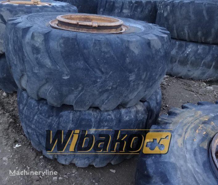 23.5/25 (12/37/32) neumático para excavadora