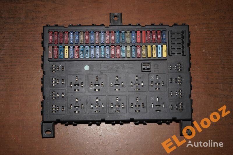 caja de fusibles para DAF SKRZYNKA TABLICA BEZPIECZNIKÓW DAF XF CF 1373830 camión