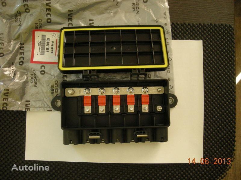 IVECO 504071256 41221026 caja de fusibles para IVECO tractora nueva