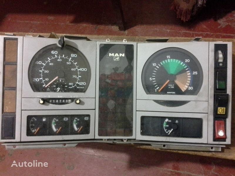 cuadro de instrumentos para MAN  L2000  camión