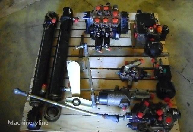 distribuidor para FIAT-HITACHI  W 230 cargadora de ruedas