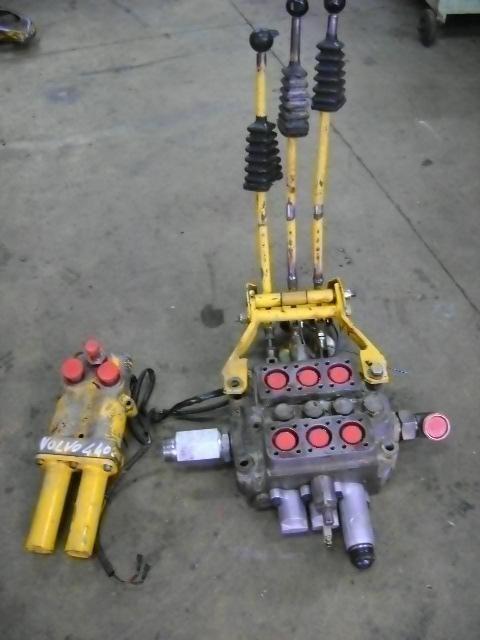 distribuidor para VOLVO 4400 cargadora de ruedas