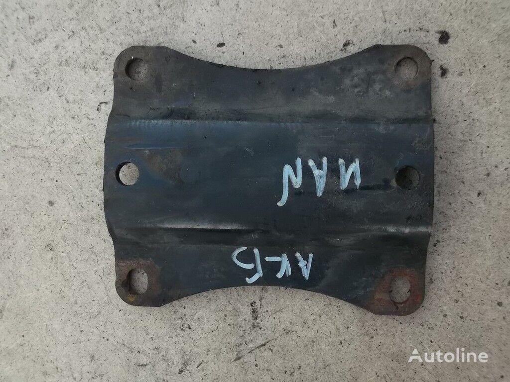 Promezhutochnyy derzhatel akkumulyatornogo yashchika MAN elementos de sujeción para camión