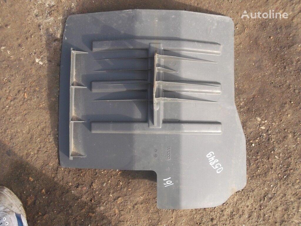 Podkrylok LH guardabarro para IVECO camión