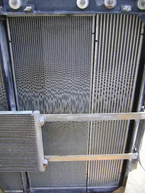 radiador de refrigeración del motor para NEW HOLLAND E 385 B excavadora