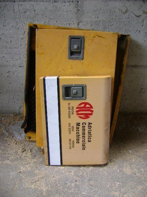 Cofani recambios para LIEBHERR 902 excavadora