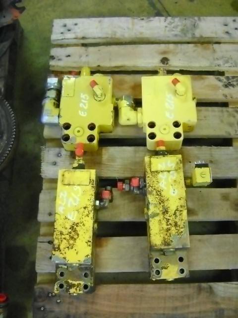 Block Valve válvula para NEW HOLLAND E 215 excavadora