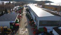 Zona comercial ARNEUBA Landtechnik und Fahrzeuge GmbH