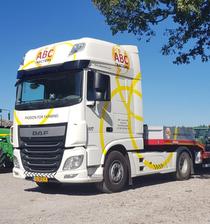 Zona comercial ABC Tractors