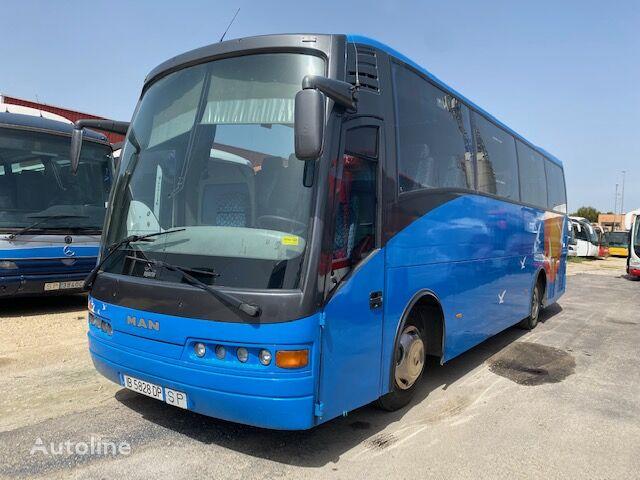 MAN UGARTE 13-220 autobús de turismo