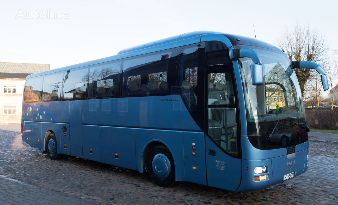 autobús de turismo MAN R07