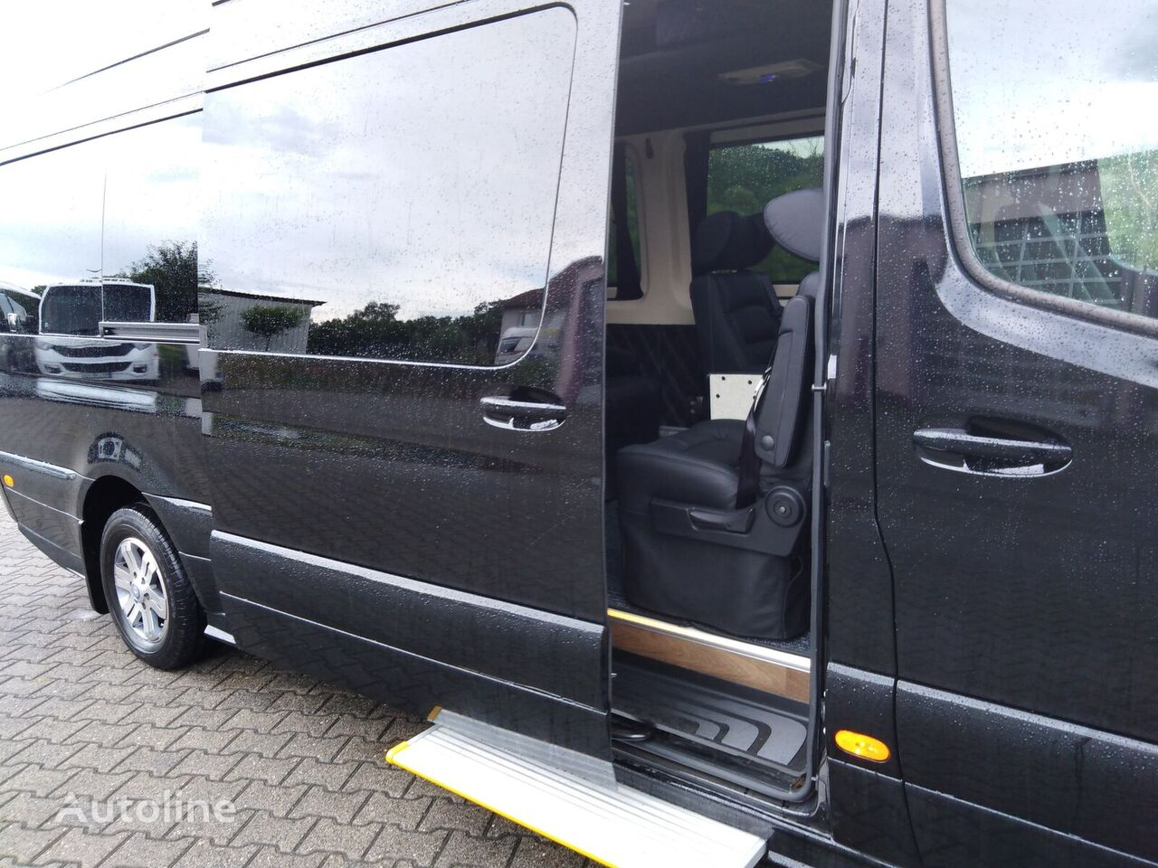 MERCEDES-BENZ 02 Sprinter 319CDI Autom.9 x SS,DVD,KombiVIP 5,5cbm Gepäckr. Lan autobús de turismo