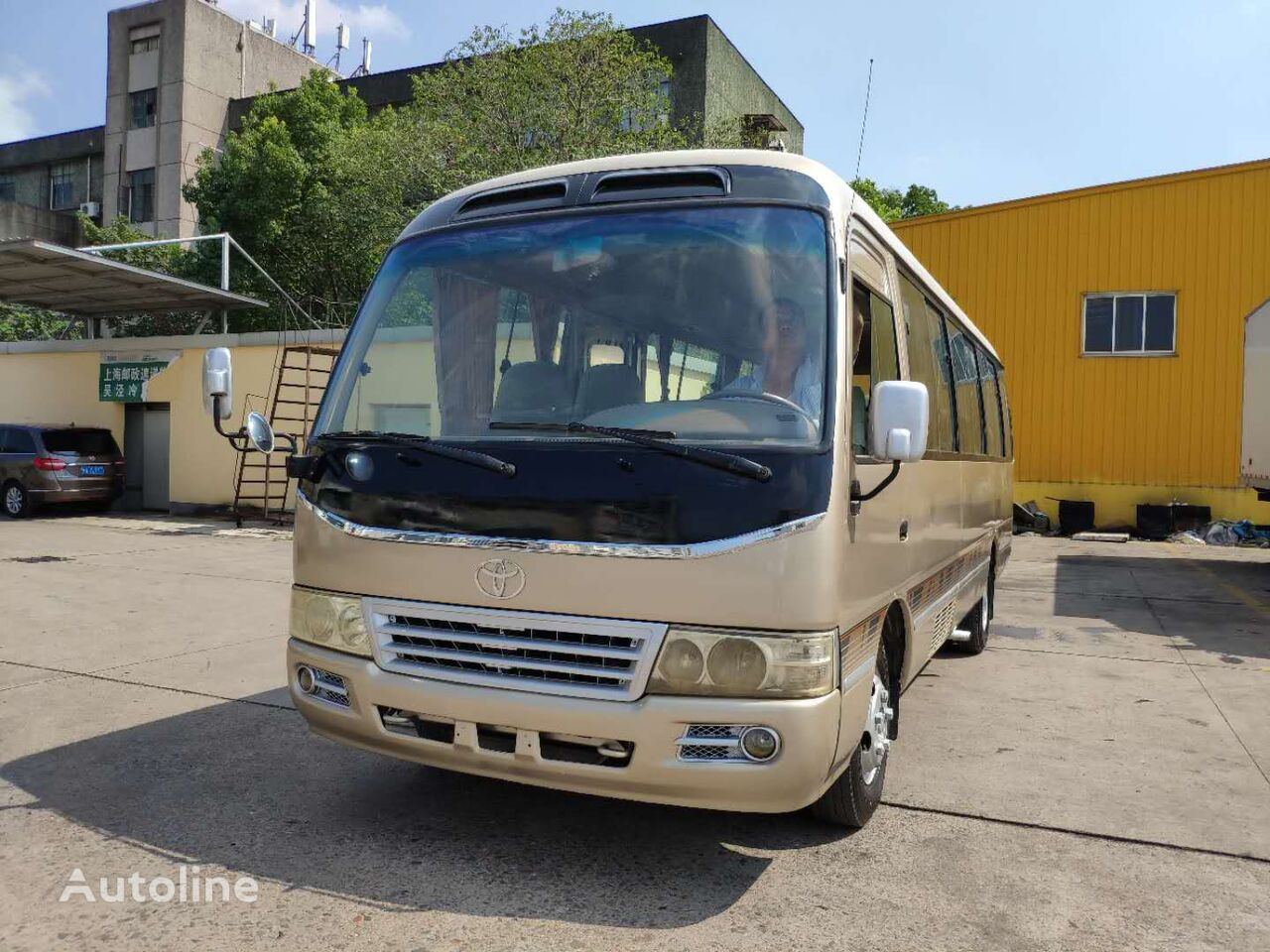 TOYOTA Coaster Bus 30 Seats with good condition autobús escolar