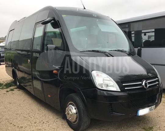 IVECO 70C17 UNVI furgoneta de pasajeros