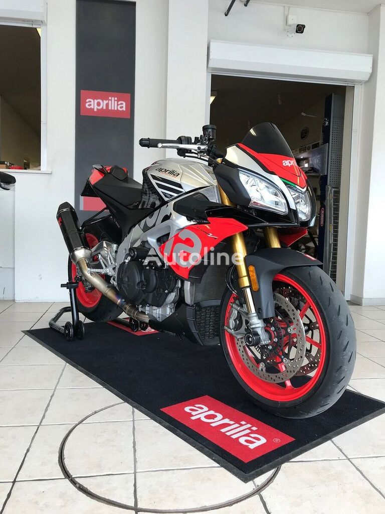 Aprilia Tuono V4 1100 Factory moto