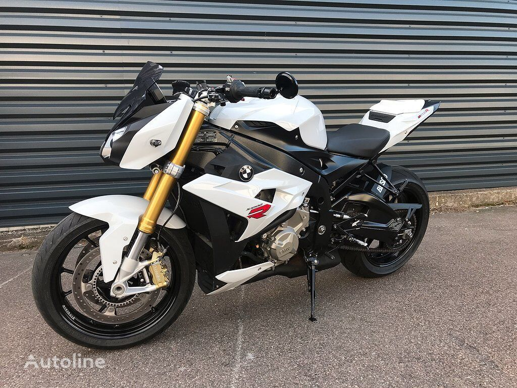 BMW S 1000 R moto