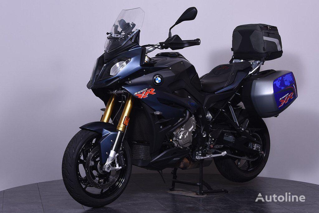 BMW S 1000 XR moto