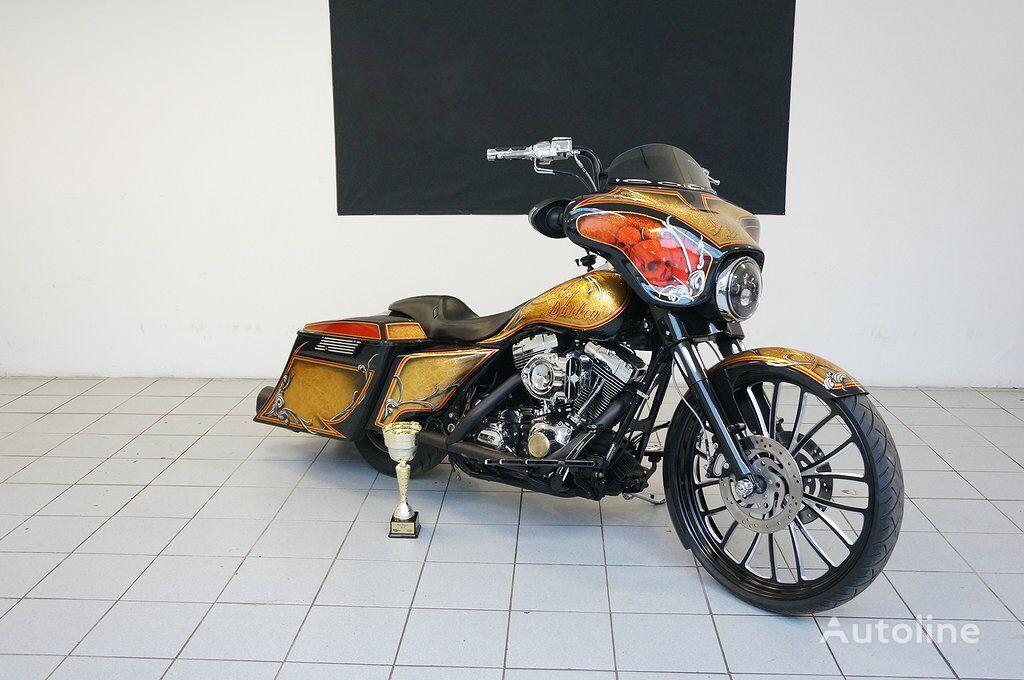 HARLEY-DAVIDSON FLHTCU Ultra Classic Electra Glide moto