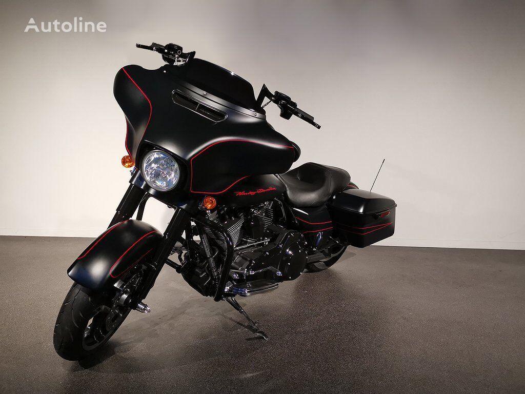 HARLEY-DAVIDSON FLHXS moto