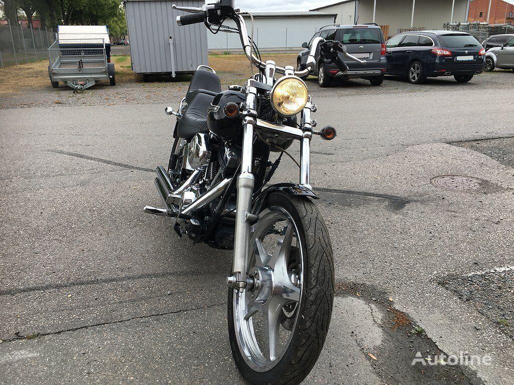 HARLEY-DAVIDSON FXSTC Softail Custom moto