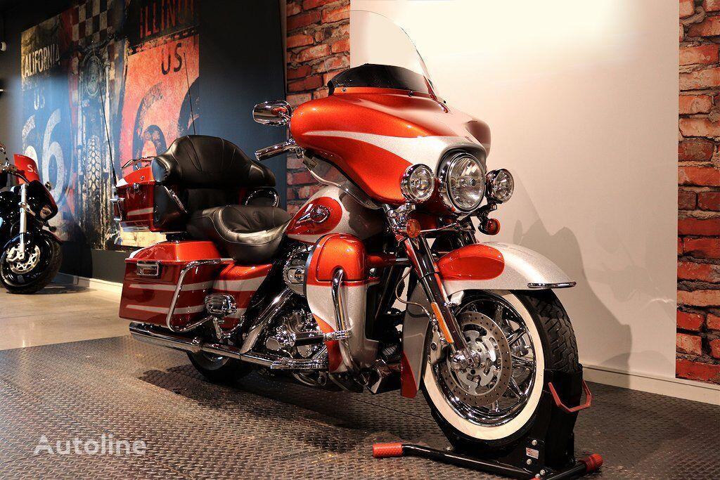 HARLEY-DAVIDSON Touring Electra Glide Ultra Classic FLHTCU moto