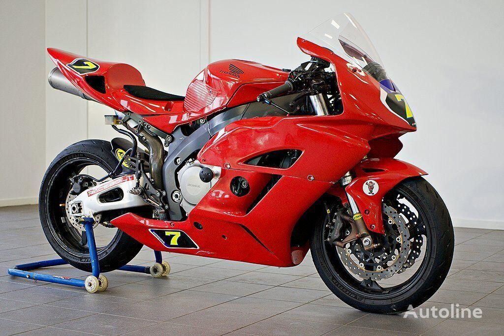 HONDA CBR 1000 R moto